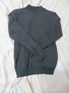 🚚 灰色高領直條紋上衣