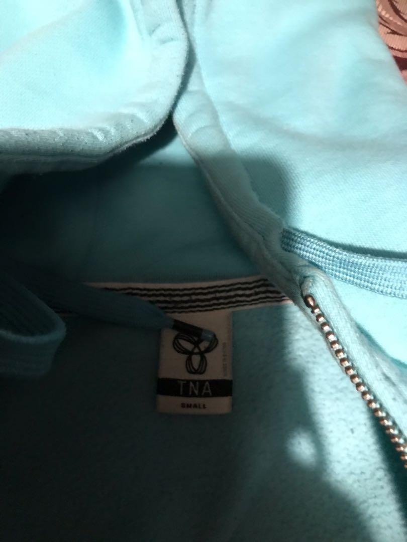 Aritzia sweater blue size small in EUC