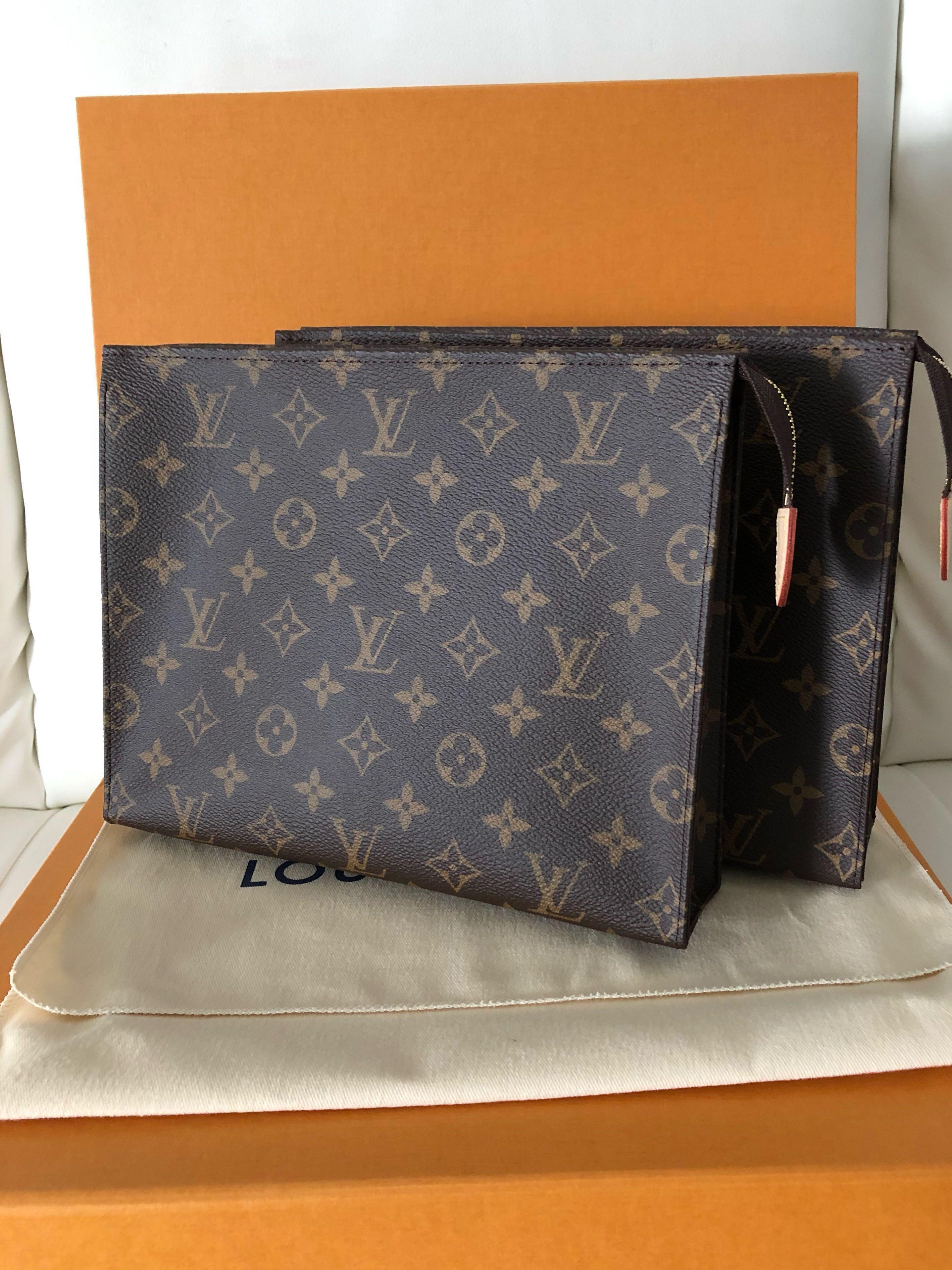 e63bc13f5229 💯Authentic Louis Vuitton Tp 26 Monogram (MIF)