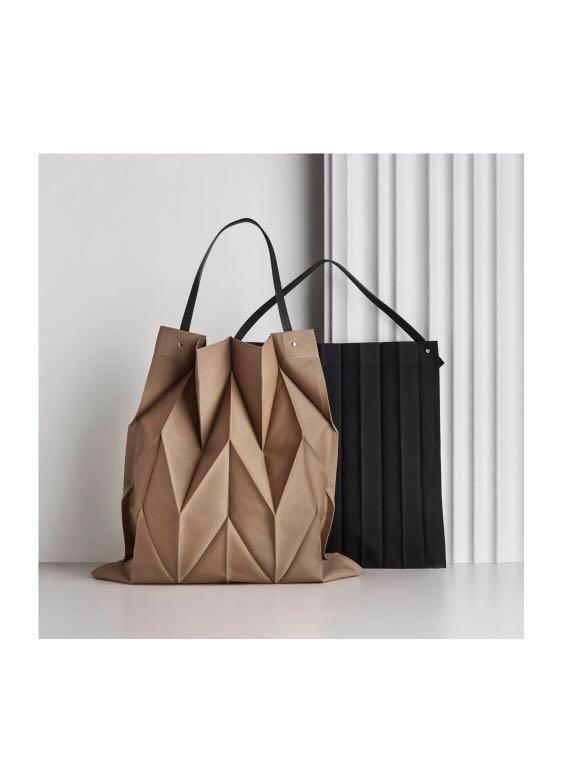 07217a7879bb BN Issey Miyake X Iittala Canvas Leather Bag