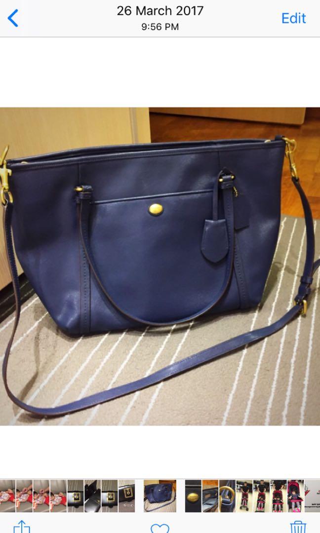 0139cc40a3 Coach leather tote
