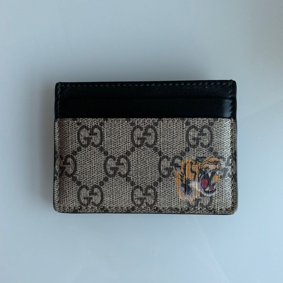 6c3f057240b32d Gucci gg supreme bengal card case holder, Luxury, Bags & Wallets ...