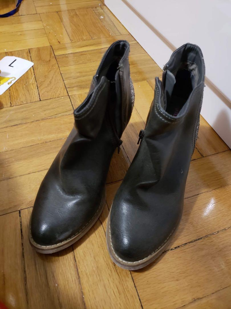 Material girl ankle boots size 38 also fits size 7