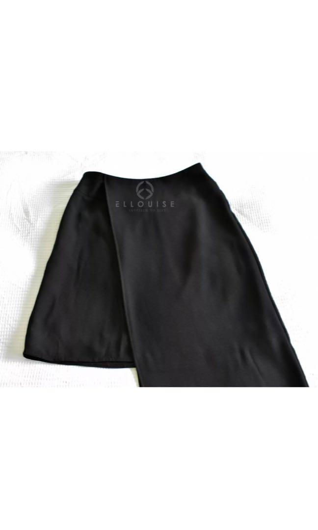 New CUE size 6 (AU8) recent black drape mid-high waist skirt