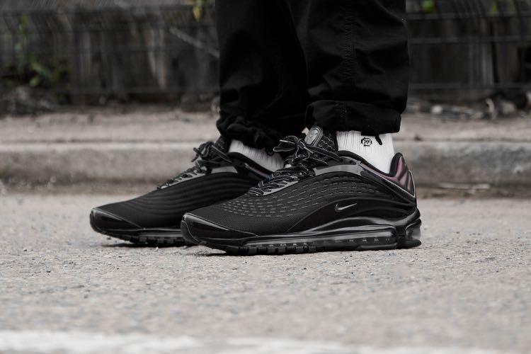 e9d83ec0a3 Nike Air Max Deluxe Black Dark Grey Bronze, Men's Fashion, Footwear,  Sneakers on Carousell