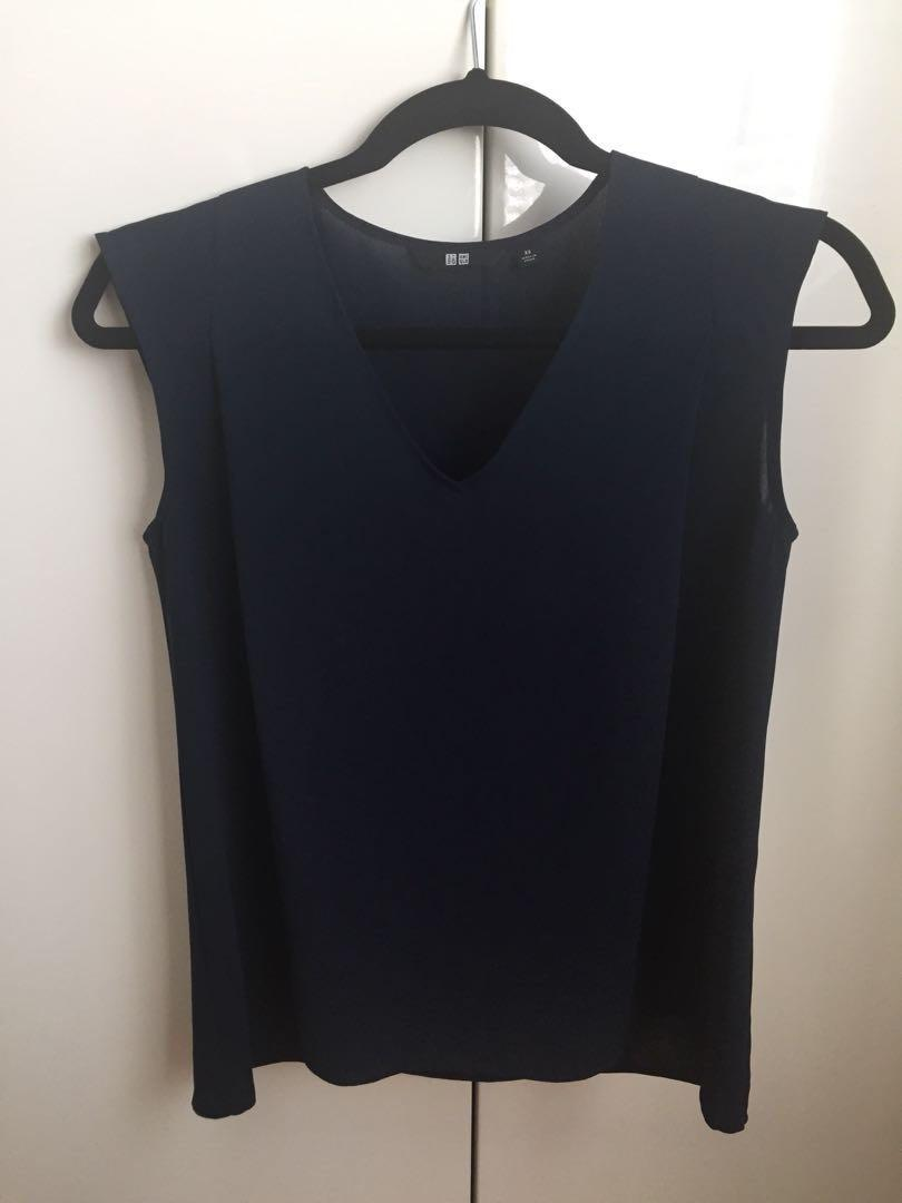 Uniqlo sleeveless top