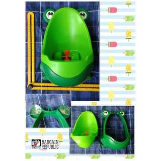 Baby Boy Stand Vertical Sucker Urinals Potty Pee Training Toilet Cute Frog