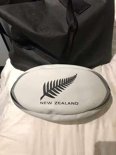🚚 New Zealand All Blacks Rugby Ball
