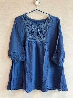 清屋 藍色 民族風 薄料 上衣 娃娃裝 Blue tops with embroidery details 新舊如圖 As New condition