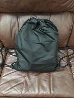 Drawstring bag ( tas serut )