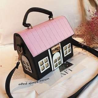 🚚 Quirky House Handbag