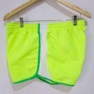 (L-XL) Danskin sport shorts, in almost looks new conditions, with  waist secure lace and key pocket,