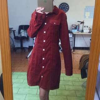 🚚 Forever21 磚紅色燈芯絨排釦洋裝 鏽紅 燈心絨 外套