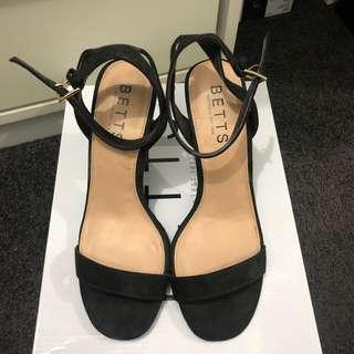 Betts pixie black heels
