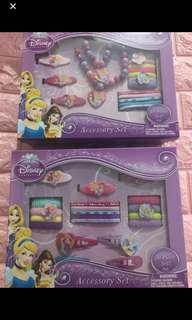 🚚 Instock now !! While stock last !! Princess kids hair accessories and necklace set brand new .. each box -$18