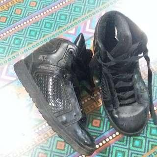 REPRICE 60to40 Sepatu Sekolah anak No.31