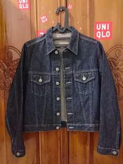 #sale Uniqlo denim trucker