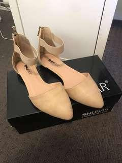 NEW* nude flats size 6