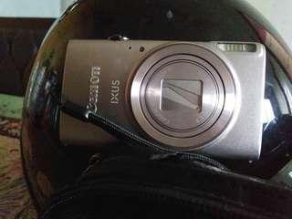 Camera Canon IXUS