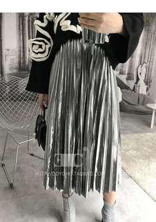 🚚 金屬感銀色百褶裙
