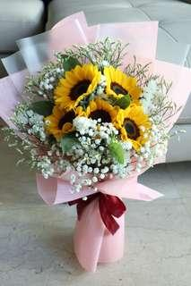 🚚 Bright sunflowers for all ocassion