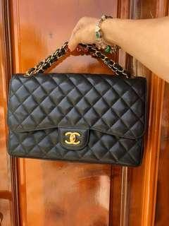 #18Chanel Jumbo caviar bag