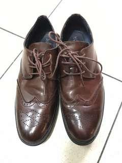 Oxford formal brown shoes