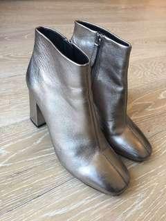 Siren heel boots