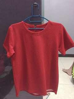 Atasan merah polka