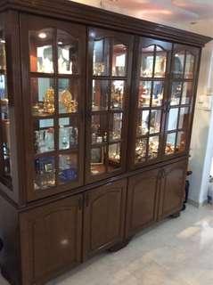 Buffet hutch/display cabinet