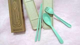 🚚 環保小麥梗餐具組