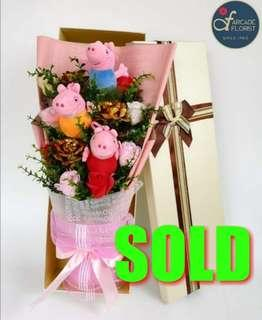 """3-Stalk 24K """"Gold Foil Plated"""" Roses w/ Mixed Artificial """"soap"""" Roses Bouquet + 3 Little Pigs 