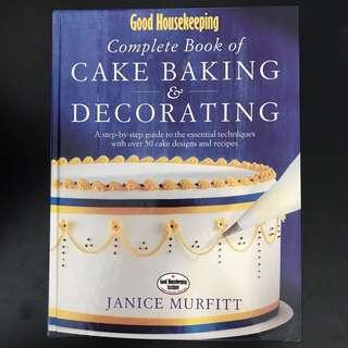 Good Housekeeping Cake Baking and Decorating Book