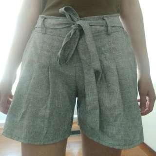 Grey ribbon shorts