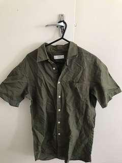UNIQLO short sleeve army green linen shirt