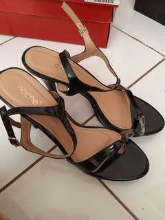 Black high heels Noche