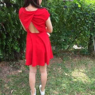 Nichii bare back red dress