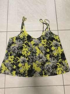 🚚 The editor's market TEM floral spag top in yellow