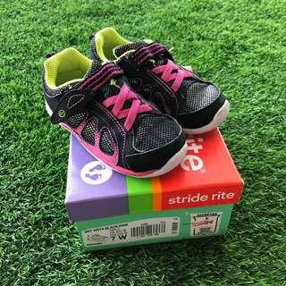 🚚 Stride Rite Shoes US7