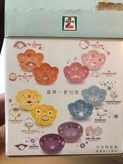 減價 全新 7-11 Sanrio 花形陶瓷碟 (Pekkle 鴨)