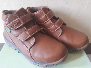Boots crocodile