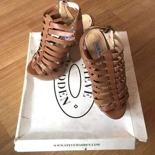 NEW WITH BOX Steve Madden