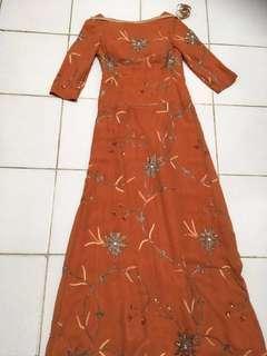 Gaun panjang orange bead