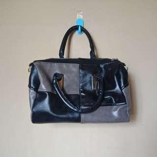 Woman bag import
