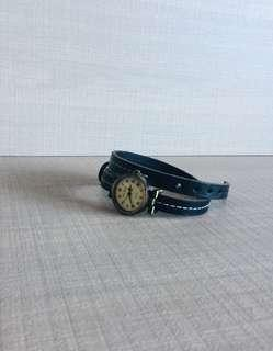 Vintage looking leather strap watch