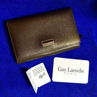 Guy Laroche Wallet - Unique colour