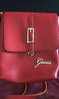 🚚 Guess Sling Bag
