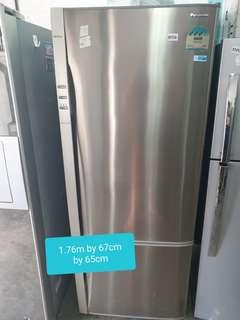 🚚 Used 463 litres Panasonic 2 door fridge cheap cheap good with free delivery