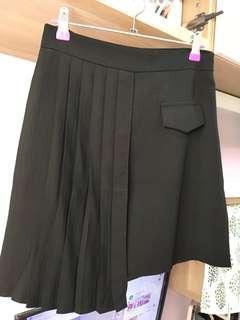 黑色不規則短裙
