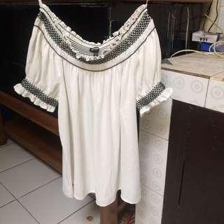 top sabrina putih size S